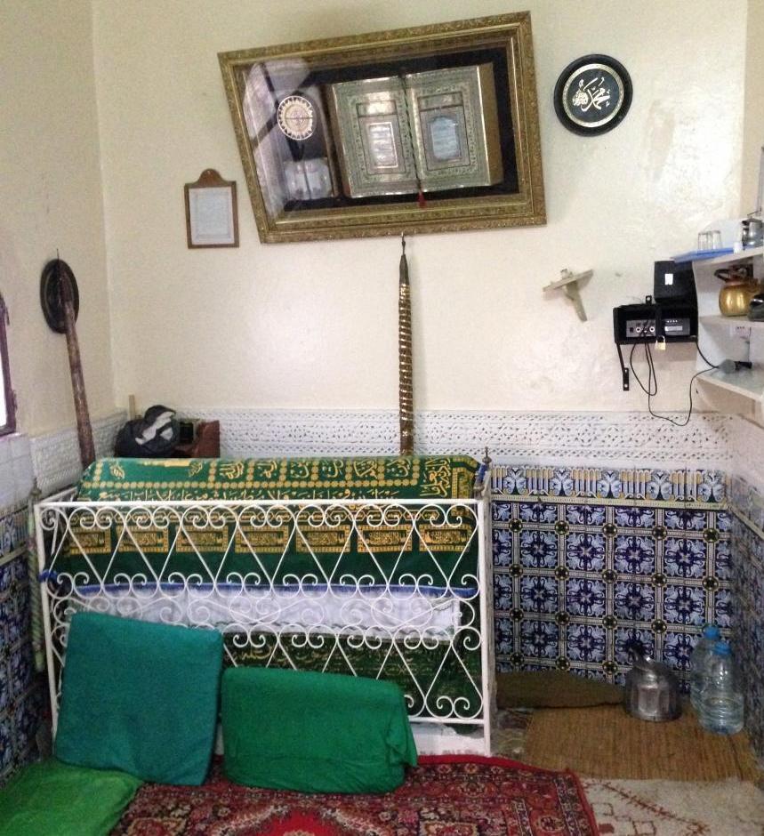 Inside of Ibn Battutas tomb