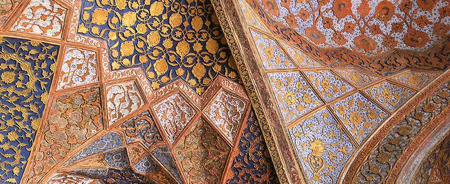Detail of interior ceiling at Sikandra. Shows geometric Islamic designs.